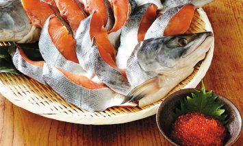 新巻鮭姿切身と醤油いくらセット