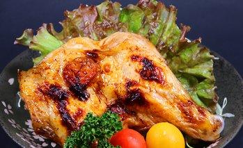【割烹とりしん】鶏のもも焼き(塩)4本